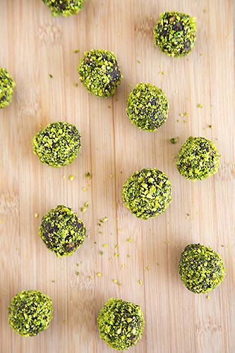 pistachio dark chocolate truffles