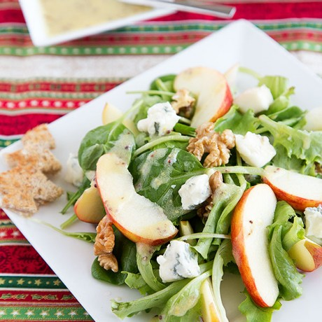 Advent Calendar Day 1 - Apple-walnut-salad with blue cheese and mustard vinaigrette