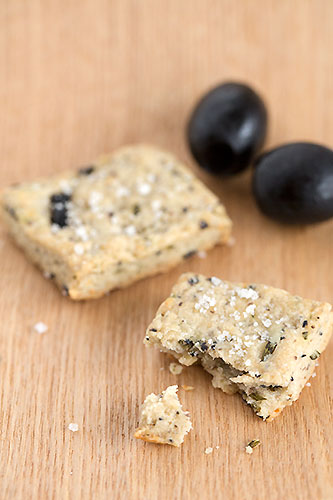 Olive rosemary cracker
