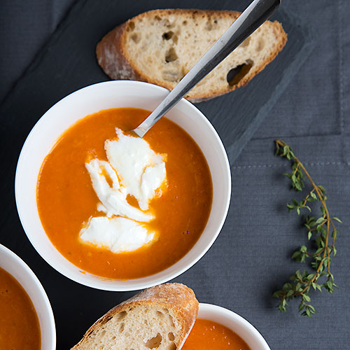 Creamy oven roasted tomato soup with mozzarella - Strudel & Cream | Visual Food Journeys from the Heart of Europe