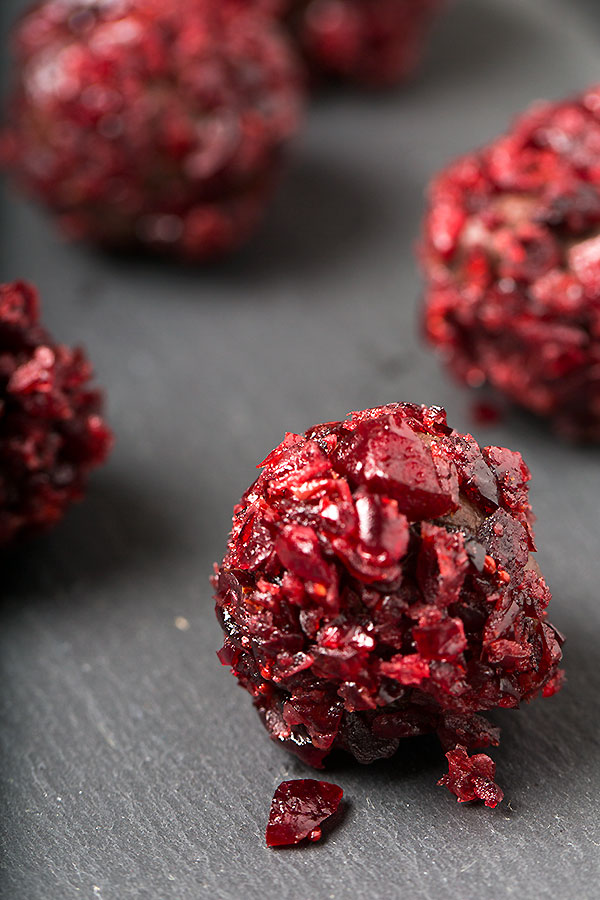 Cranberry chocolate truffles - Strudel & Cream | Visual ...
