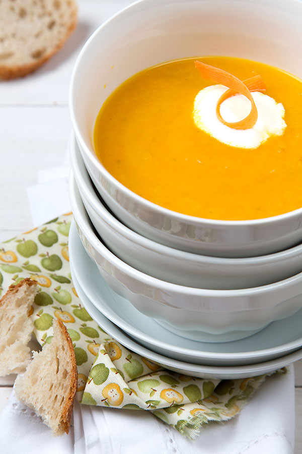 Carrot-apple-soup @strudelandcream.com