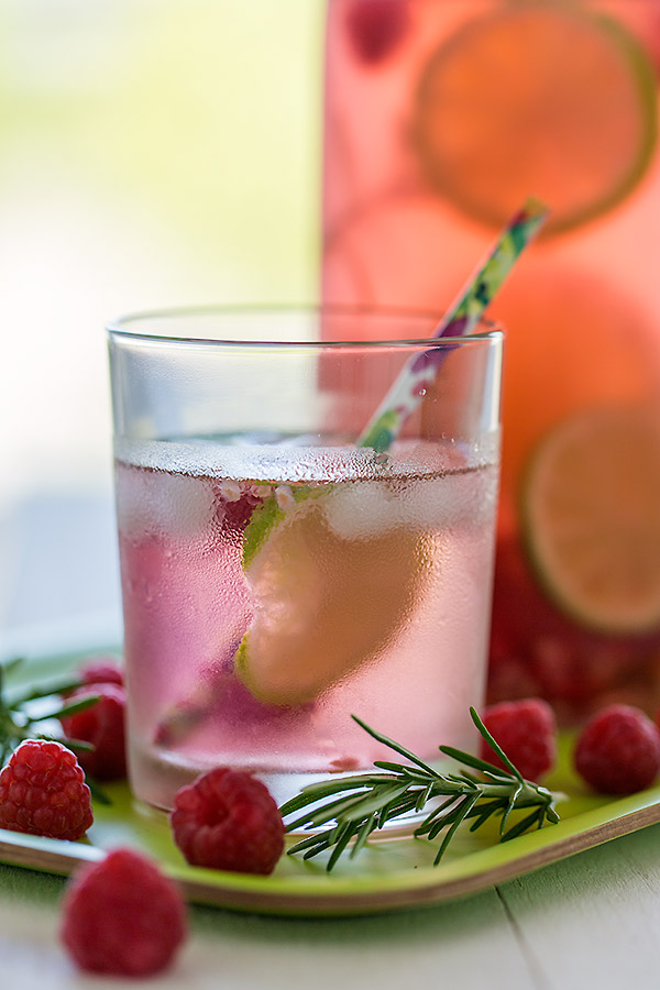 raspberry lime rosemary flavoured water | www.strudelandcream.com